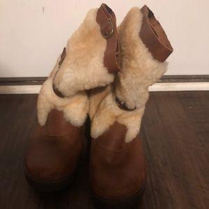 Leather & Sheepskin UGGs - Size 9 Women